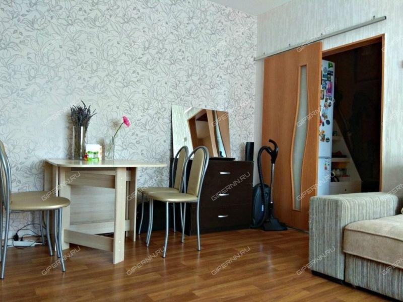 однокомнатная квартира на улице Сурикова дом 18