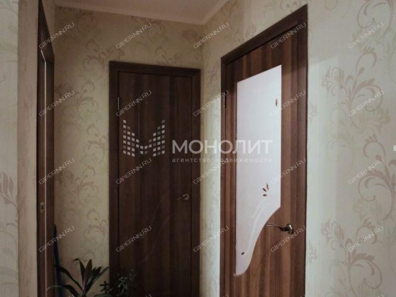 трёхкомнатная квартира на улице Героя Юрия Смирнова дом 65