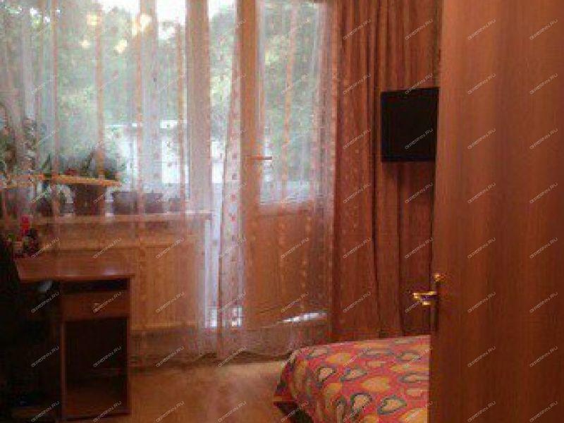 однокомнатная квартира на улице Лескова дом 21
