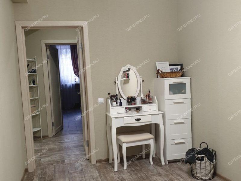 трёхкомнатная квартира на Молодёжном проспекте дом 24